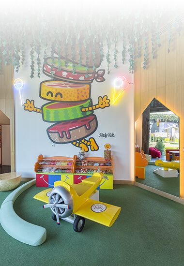 Resto Kids sur The Village Outlet