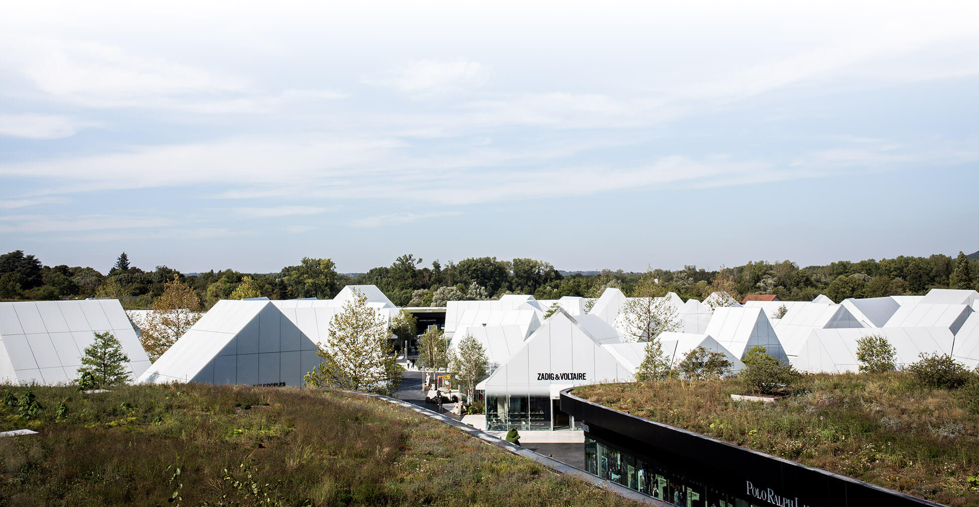 pack-vip-the-village-architecture
