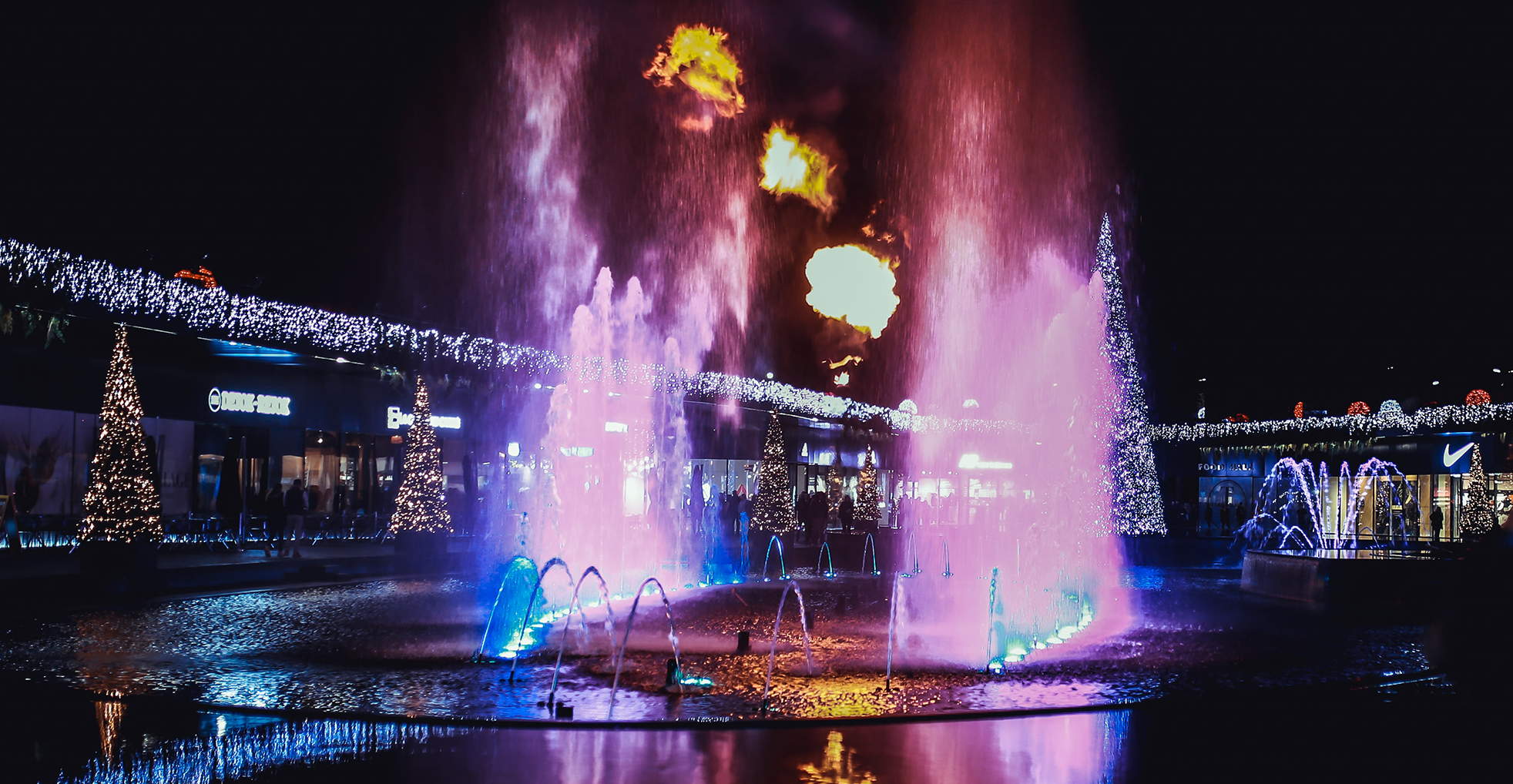 illuminations-the-village-outlet-fontaine