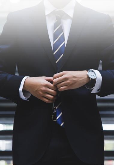 Look Working-Man : 4 pièces indispensables pour votre tenue de bureau !